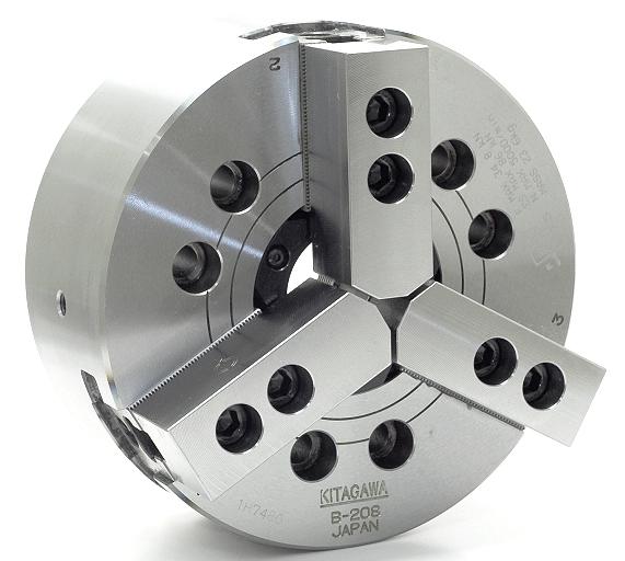 Kitagawa kraftchuck serie B200, som utgör en del av Kitagawas stora tillverkningsprogram. Denna chuck finns i en mängd olika utföranden.